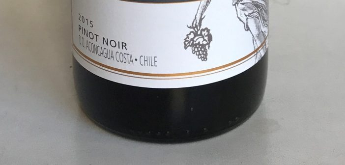 Montes Pinot Noir Limited Selection 2015